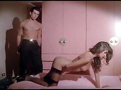 همسر دستبند شوهرش و نشستن پارتی سکسی خارجی در بالای مهبل (واژن
