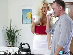 تحقیر مرد, سوراخ مرطوب برای یک دختر با پستان پارتی های سکسی های کوچک